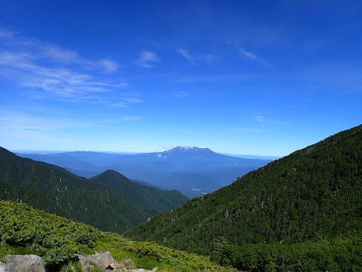 珍しく雲のない木曽御嶽山