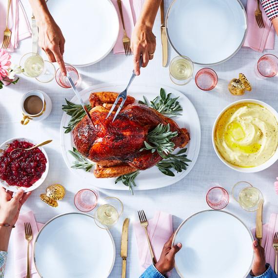 感恩節火雞大餐,團聚餐酒不可少