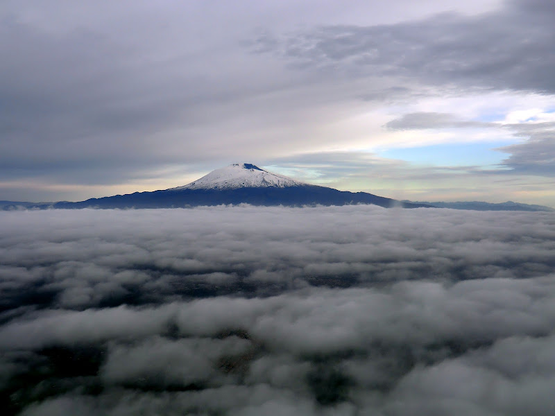L'Etna tra le nuvole di GPphptografy
