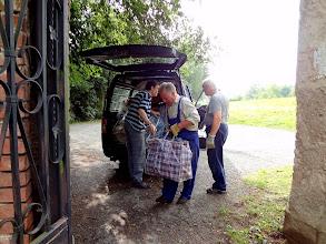 Photo: A to už je první auto s díly restaurovaných varhan.