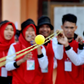 Human Intrest  by Muhammad tutur Maidiel - People Group/Corporate