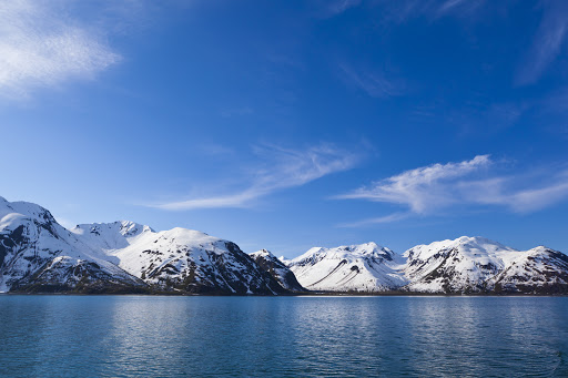 View the Hubbard Glacier of Alaska on Seven Seas Mariner.