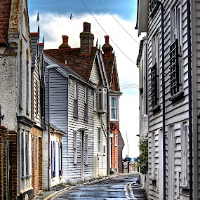 Whitstable Alley by Luke Aylen - Buildings & Architecture Other Exteriors ( houses, hdr, sea-side, street, cottages, alley )