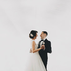 Wedding photographer Dániel Majos (majosdaniel). Photo of 14.11.2017