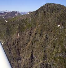 Photo: Anciennes Mines sur les pentes nord du Mail de Bulard (vers 2500 m d'altitude)