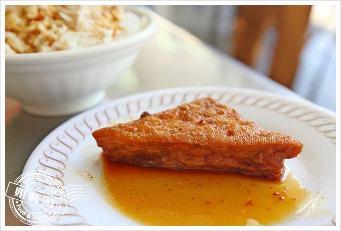 大圓環雞肉飯油豆腐
