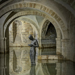 Sound II by Anthony Gormley by Steve Corcoran - Buildings & Architecture Statues & Monuments ( sound ii, winchester cathedral, crypt, hampshire )