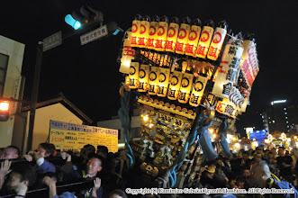 Photo: 【平成26年(2014) 本宮】 本部前での神輿もみ。