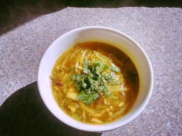 Turmeric And Garlic Detox Soup