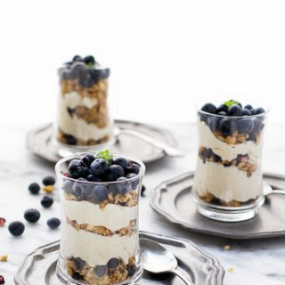 Blueberry Cheesecake Granola Yogurt Parfaits