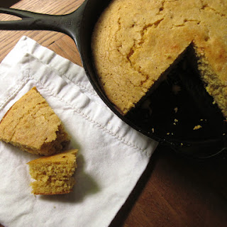 Skillet Cornbread With Sour Cream Recipes