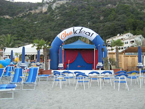 """Photo: Il """"teatro"""" in spiaggia"""