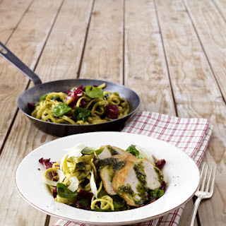 Pan Fried Noodles with Chicken Fillet and Radicchio.