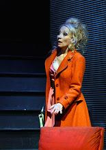 Photo: Wien/ Kammerspiele: AUFSTIEG UND FALL VON LITTLE VOICE von Jim Cartwright. Inszenierung Folke Braband. Premiere 7.5.2015. Sona MacDonald. Copyright: Barbara Zeininger