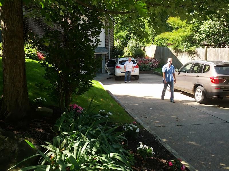 Photo: left cross on Beechwood Blvd @ Beechwood Ln - white SUV license CAMPANA
