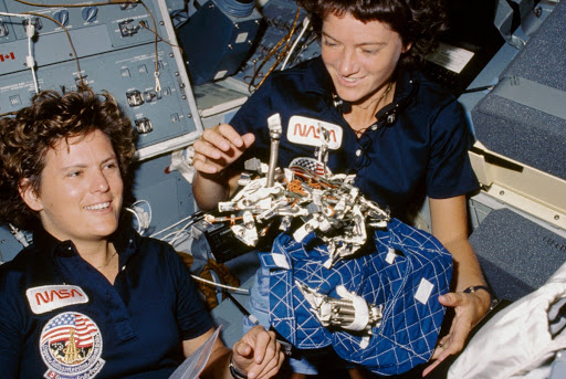 Sally Ride and Kathryn Sullivan
