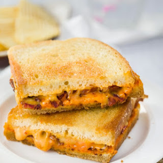 Bacon Grilled Cheese {with sriracha!}.