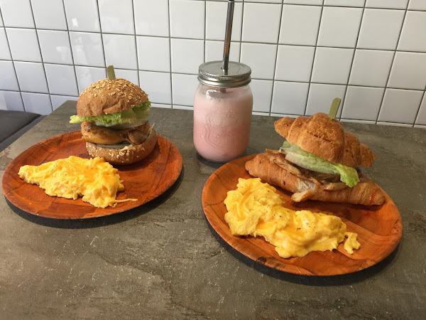 產出the food貳店,赤峰街上的早午餐店~好好的坐下來吃個早午餐吧!!