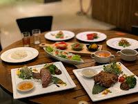 Lacuz Thai Fusion And Bar