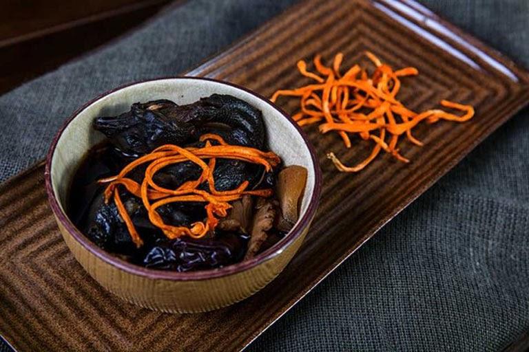 Trùng thảo được sử dụng trong món ăn dưỡng nhan nổi tiếng