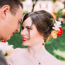 Wedding photographer Viktoriya Lizan (vikysya1008). Photo of 05.06.2016