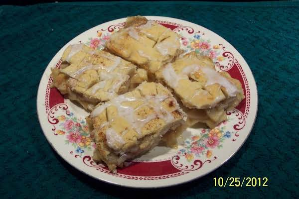 Apple Slices   With  A Cream Cheese Crust Recipe