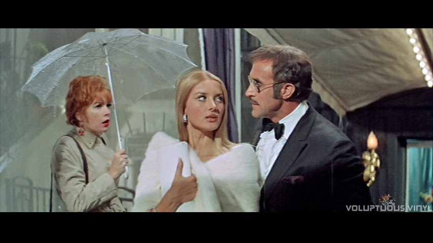 Shirley MacLaine, Barbara Bouchet and Ricardo Montalban in the film Sweet Charity