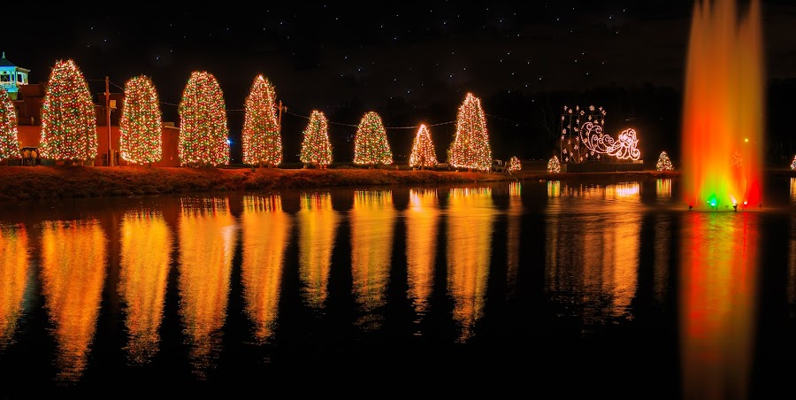 Christmas Light! by Rananjay Kumar - Public Holidays Christmas ( #holidays, #outdoor, #lowlight, #night, #x-mas, #canon, #longexposer, #christmas,  )