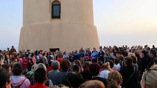 Concentración en la Torre de Balerma en la tarde noche del martes.