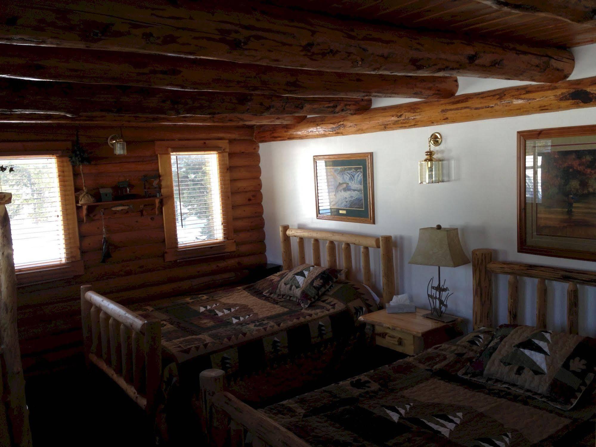 The Sportsman Cabin