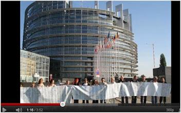 Photo: 05/07/11 Vidéo...Clip anti gaz de schiste par le Collectif européen Alsace Lorraine contre le gaz de schiste suite au rassemblement du 4 et 5 juillet devant le Parlement européen à Strasbourg ... http://www.youtube.com/watch?v=Au8vCH-ObnY