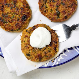Quinoa Cakes With Spinach and Sun-Dried Tomatoes.
