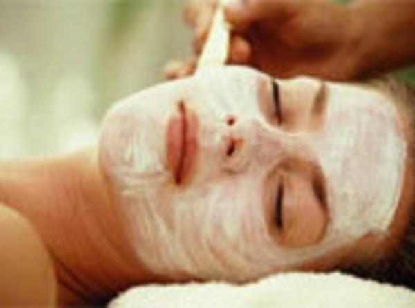 Coconut Oil, Banana And Honey Mask For Normal/ Dry Skin Recipe
