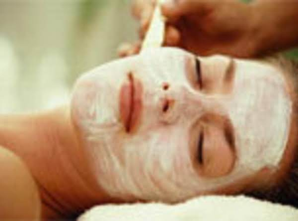 Coconut Oil, Banana And Honey Mask For Normal/ Dry Skin