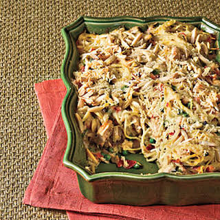 Chicken Tetrazzini With Prosciutto and Peas.