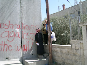 Photo: Trying to cross the wall,  when the border police don't look Abu dis, Jerusalem, on the western side of the wall