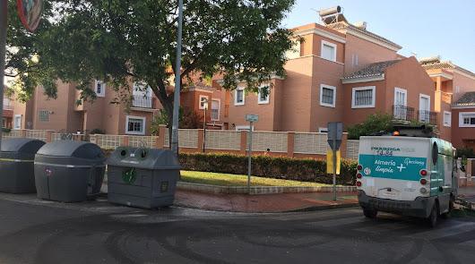 Dispositivo de limpieza intensiva en el barrio de Nueva Almería