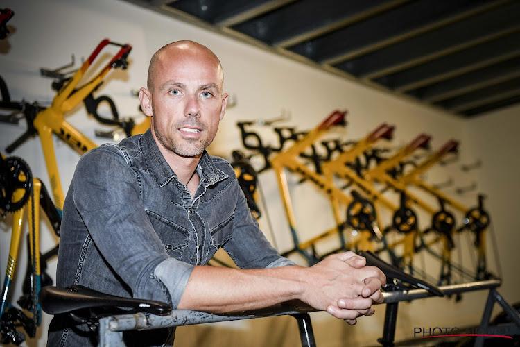 """Volgens Sven Nys kunnen Wout van Aert en Mathieu van der Poel Julian Alaphilippe op deze kasseihelling uit het wiel rijden: """"Niemand doet dat op dit moment beter"""""""