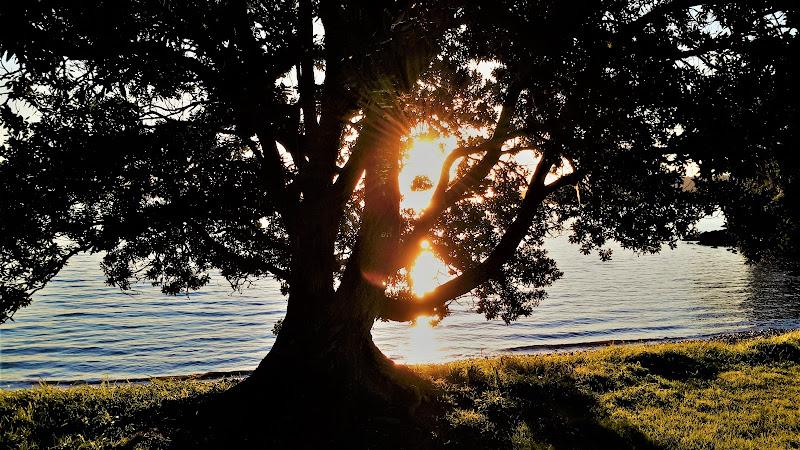 Il sole fa l'occhiolino di djelem_gipsy