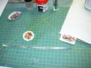 Photo: plak nu twee strips kaarten stikkers tegen elkaar met de plakrand de stikkers moet wel 3mm breed zijn