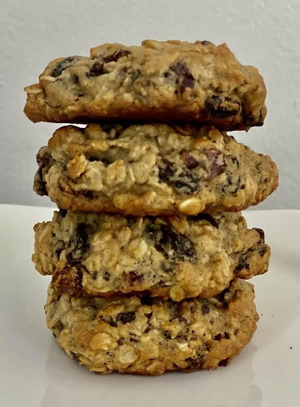 Low Fat Oatmeal Raisin Cookies