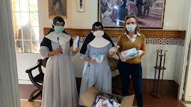 Donación de Cosentino a la Residencia de las Hermanitas de los Desamparados.