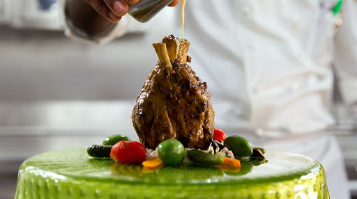 wonderland-cuisine.jpg - Enjoy inventive cuisines at the specialty restaurant Wonderland.