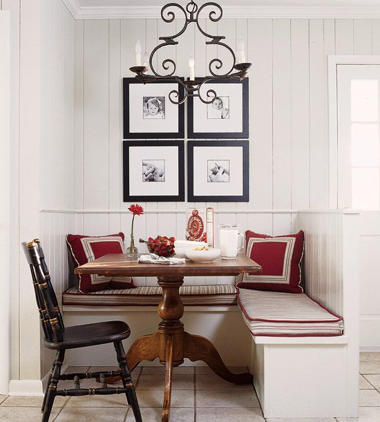 A Collection of Small Objects for Your Small Dining Room Wall