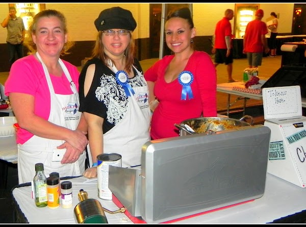 Here is another Just a Pinch cook & chili competitor Ashley Burnam cookin' up...