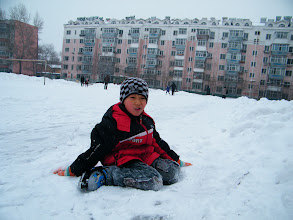 Photo: 3rd snow in Qiqihar in winter 2012. son, warrenzh 朱楚甲 reunited with his proudest dad, benzrad 朱子卓, after defeated insanity from his mom's family, esp. the grandma, a sinful heart and a pair of sick espionage eyes. the blessing snow announce save and forgiving, in vanish of evils against our Royal China under Zhu's and God's shine. Here warrenzh rested after fell down.