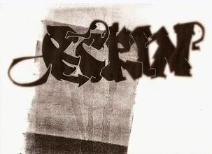 Photo: Recherche de graffiti sur impression au rouleau. j'ai utilisé photoshop pour les flous sur les côtés.  Graffiti searchs on printing. I use a photoshop effect to make the play on focus in this piece