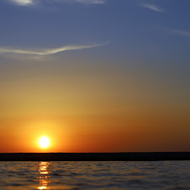 Sunset by Gil Reis - Landscapes Sunsets & Sunrises ( places, ocean, sunset, portugal, sun, sea, life )