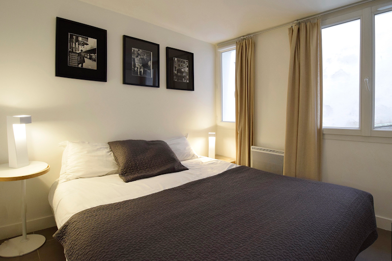 Master bedroom at Marais & Palais Royal Serviced Apartment, Opera