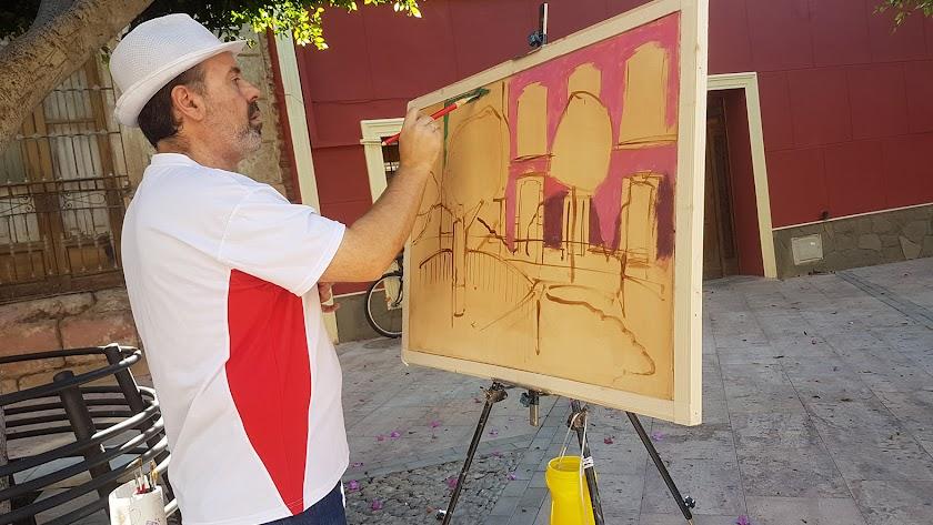 Uno de los participantes del concurso de pintura de la Feria.